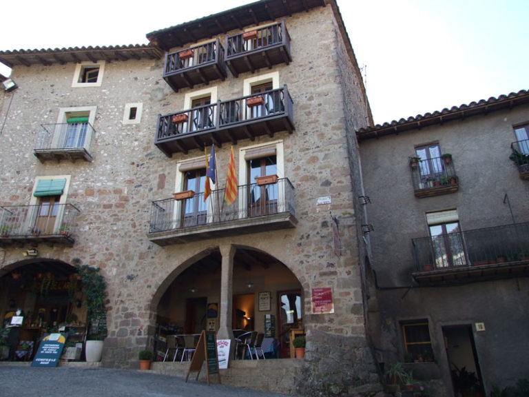 Pension for kids in Santa Pau
