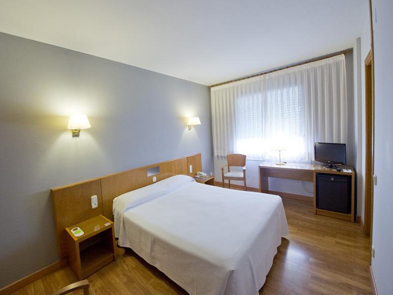 HOTEL-BORRELL-OLOT-2.jpg