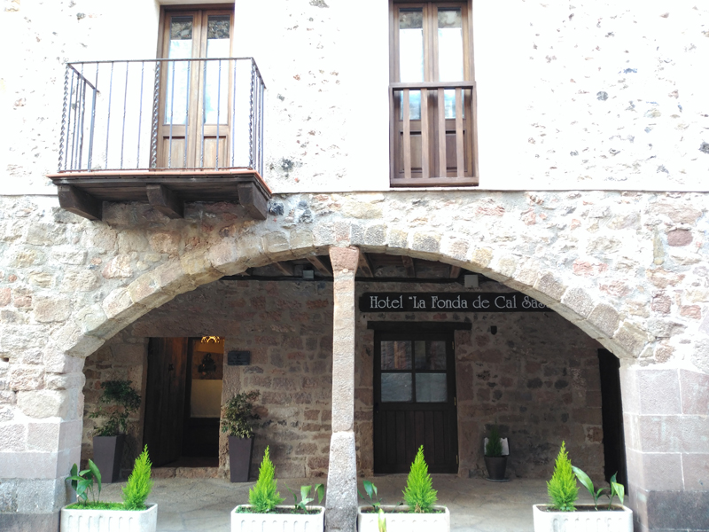 hotel-la-Fonda-de-Cal-Sastre.jpg